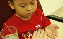 5 Sai lầm đặc biệt nghiêm trọng của cha mẹ khi cho trẻ uống thuốc